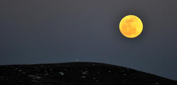 15 April 2014 Full Moon Rising