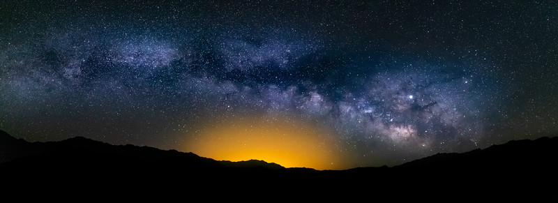 Arc of the Milky Way over the horizon @ Death Valle National Park