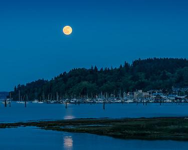 Full moonrise over Cowichan Bay