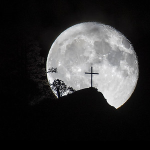 Moon Rise over the Cross, Mount Tzouhalem