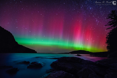 Northern lights seen from the base of Mt. Kineo on the North Bay of Moosehead Lake in Maine, October 8, 2013, 20:37