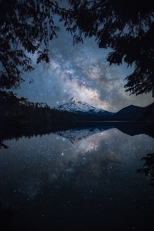 The night sky above Mt Hood on a perfectly calm night - Oregon