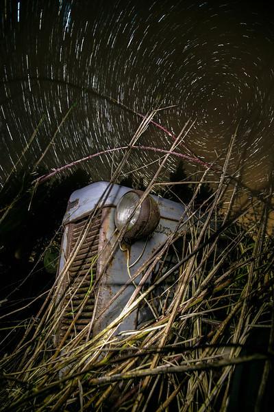 Den gamle ferguson i natten.