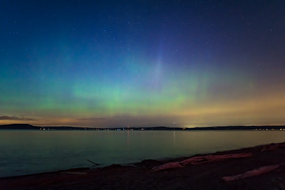 My first time photographing the Aurora Borealis in Washington from Point No Point Lighthouse