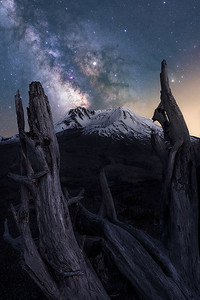 Milky Way above Mt St Helens, Washington