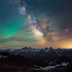 Milky way rising above the Tatoosh Range - Washington