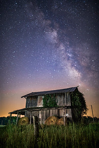 Farm beneath the stars