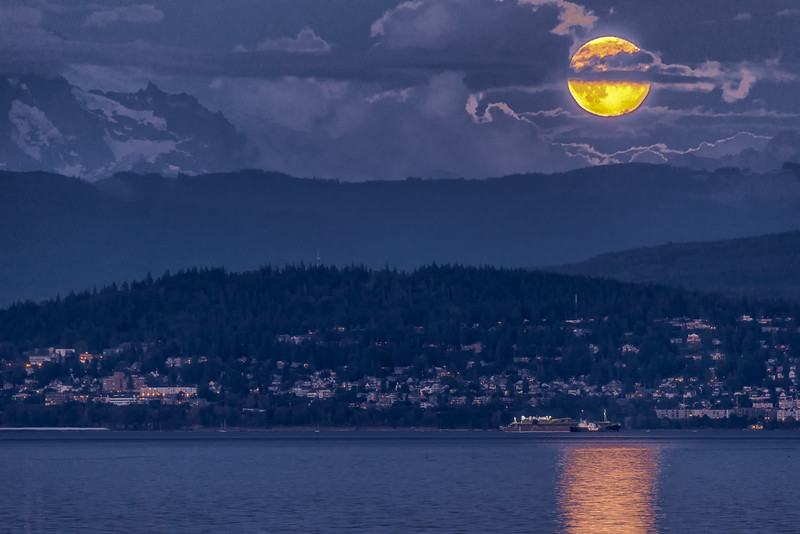 Super Moon over Bellingham.