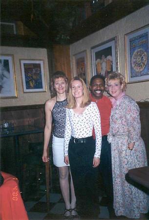 2000-4-1 Alumni Club