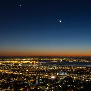2013-12-04-moon-crescent-setting-san-francisco-bay-twilight-darker-1