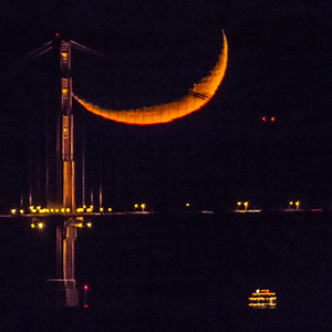 Crescent Moonset — Golden Gate Bridge