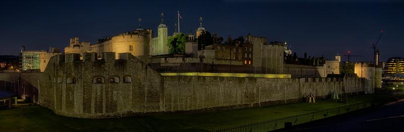 Tower of London night pano