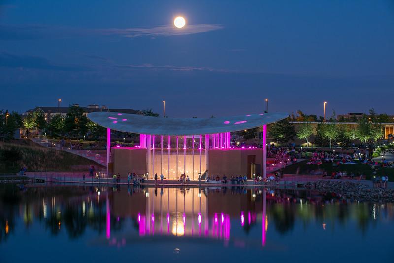 MNGN-14-192: Full moon over pavilion
