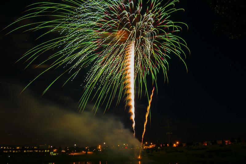 MNGN-14-206: Maple Grove Fireworks