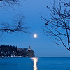 MNWN-9100: Winter full moon at Splitrock Lighthouse