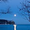 MNWN-9100: Winter full moon at Splitrock Lighthouse