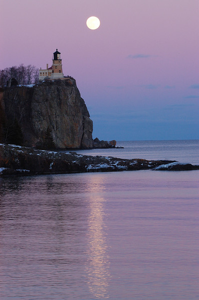MNWN-6058: Full Moon over Split Rock Lighthouse