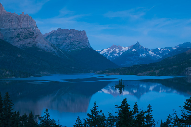 TRMT-12087: Wild Goose Island at early morning twilight