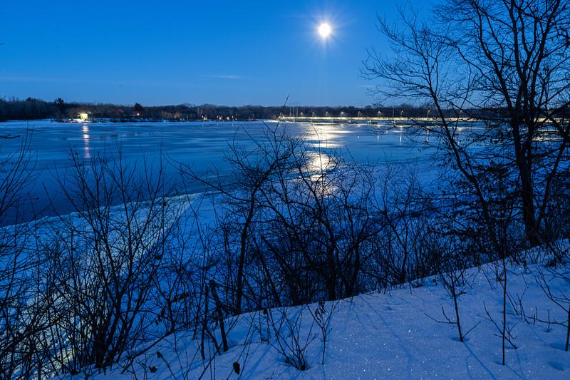 Full Moon over the Mississippi