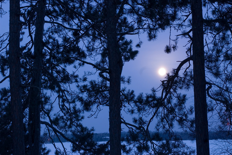 MNWN-7013 Winter Full Moon-Photographed at White Iron Lake in NE Minnesota at around -15 F.