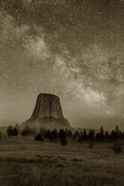 Milky Way over Devil's Tower