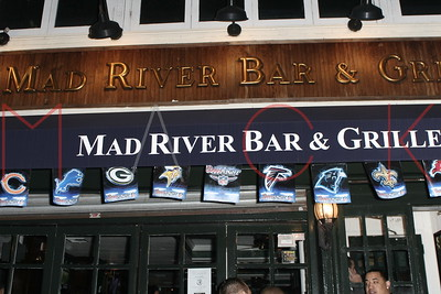 Mad River Bar & Grill