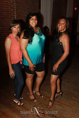 Crowds packed out Exo to see Jon B perform Friday night at Exo on Locust 05-26-2012. Photography by 90 Degree Concepts