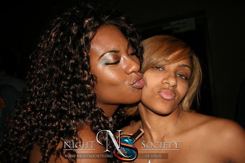Beautiful Fridays at Envy Ultra Lounge - Photos taken by Jason H