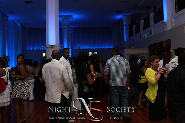 1st Fridays Featuring Raheem DeVaughn - Photos taken by Michael