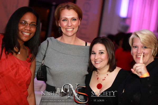 Saint Louis Magazine presents Mix 2011 at Lumen. Celebrating the most successful and affluent Saint Louis Singles. Photography by 90 Degree Concepts.