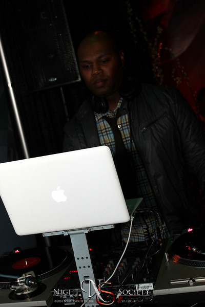 Lola Live ft Jesse Gannon & The Truth, and DJ Nune in the Absinthe Bar - Photos taken by Maurice