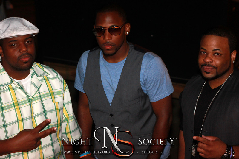 Freetime Presents Glow at Mike Shannons 08-25-2012. Photograqphy by Nightsociety.