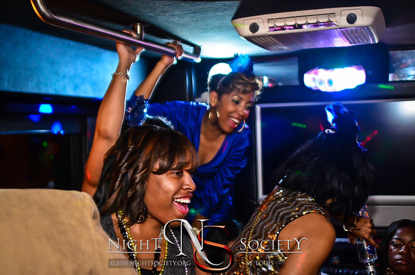 Night Society and Bfreestlouis team up and take all three of the Nightlife Express Partybuses to the Copia Urban Winery, and Exo for some epic NYE fun! - Photos taken by Bfreepaparazzi