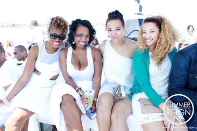 Nightsociety and Bfreepaparazzi present Pure the all white Yacht party on Navy Pier in downtown Chicago. Photography by Nightsociety.