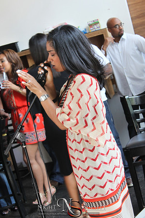 STL Sunsets presents The Sunday Social. Featuring Live Jazz by The Mixed Knuts and vocals by American Idol finalist Ms. Sineta Roker. Photography by Maurice.