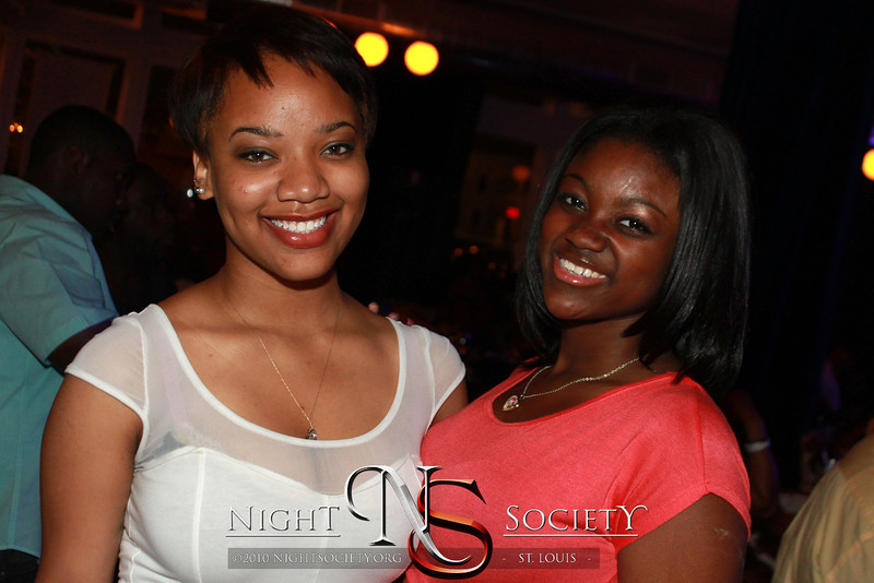 Cafe Soul celebrates Memorial day weekend with good food, live music, and great performances at Plush on Locust 05262012. Photography by 90 Degree Concepts.,