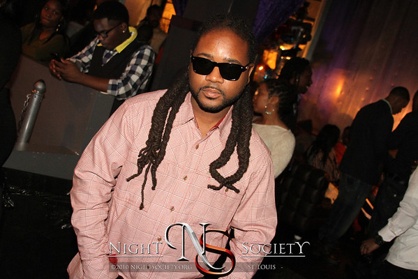 Hella Fly promotions host The Shout Out Party at The Coliseum Music Lounge. Photography by NightSociety.