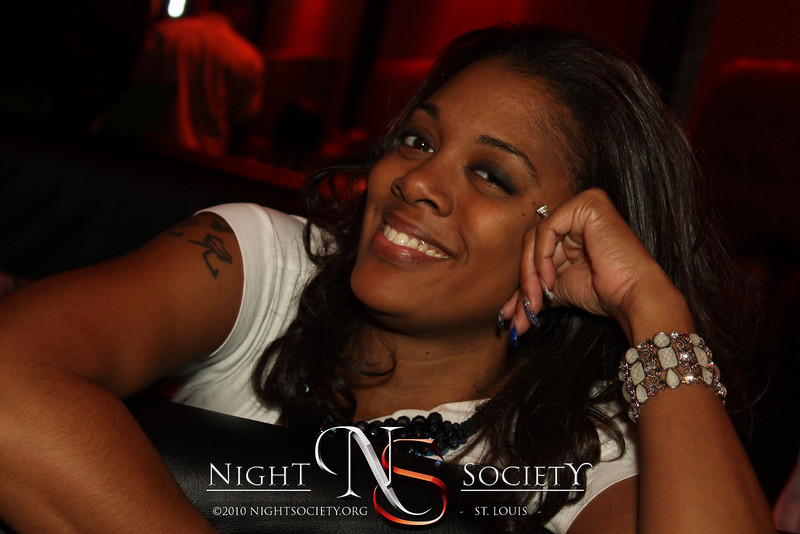 R&B Songstress Syleena Johnson is featured in The September Cafe Soul series at The Loft Nightclub. Photography by Maurice. 09-16-2011