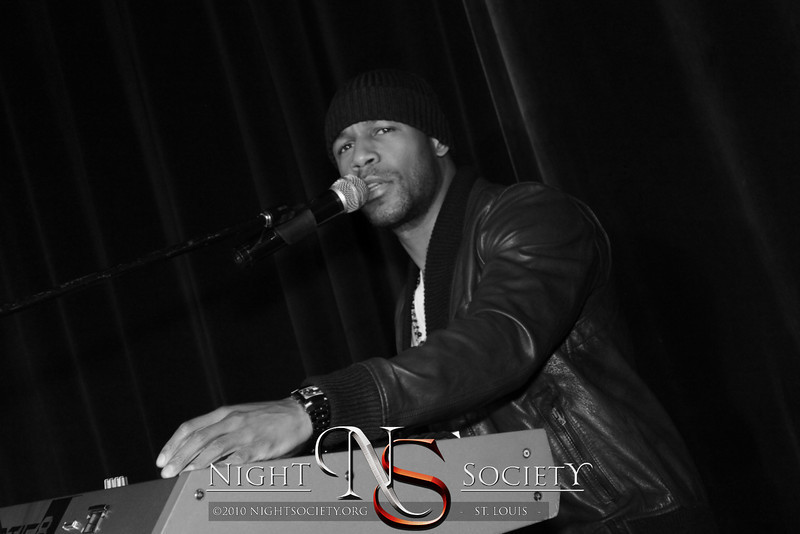 Tank Performs at The Loft and free entry with a new, unwrapped toy. Proceeds go to homeless families at Gateway 180 and teenage mothers at Missouri Mentor Partnership. - Photos taken by Maurice