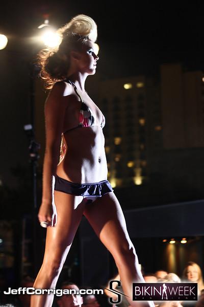 Bikini-Thurs-7-2-09-140
