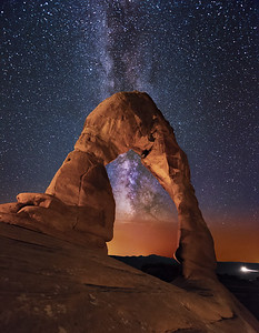 The Milky Way seen through Delicate Arch