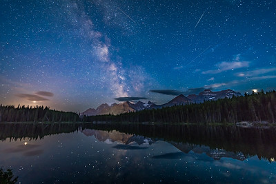 Stellar Reflections at Herbert Lake