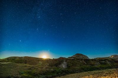 Waning Moonrise at Dinosaur Park