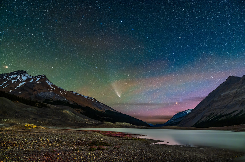 Comet NEOWISE at Columbia Icefields (July 27, 2020)