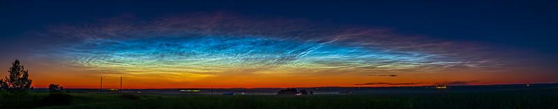 The Prismatic Colours of Noctilucent Clouds
