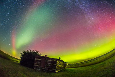 Aurora over Pioneer Cabin, Grasslands National Park