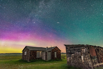Aurora over Larson Ranch Cabins