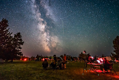 Perseid Meteor and Observers at Star Party