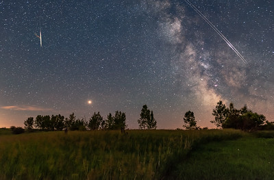 A Busy Sky – Mars, Meteor, Milky Way and Iridiums!
