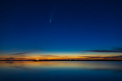 Comet NEOWISE in Twilight over Lake (July 20, 2020)
